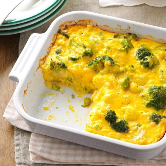 omlet s sirom i brokkoli
